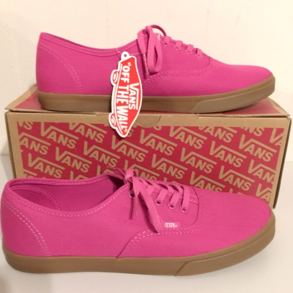 20d4bd791722 NWT Vans Raspberry Rose 🌹 Authentic Lo Pro NWT
